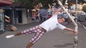 homme-pratiquant-du-street-workout-calisthenics